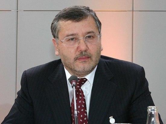 Экс-министр обороны Украины предрек суд над Порошенко