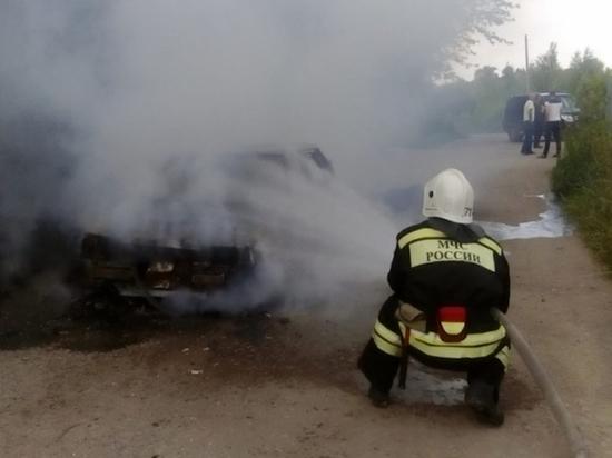 В Богородицком районе сгорела легковушка
