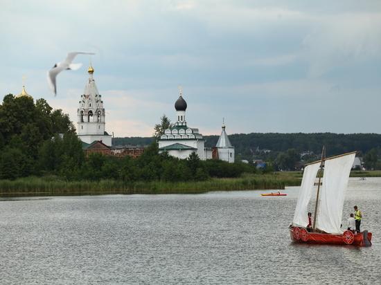 Регата стилизованных лодок и гонка на рафтах прошли в Ворсме