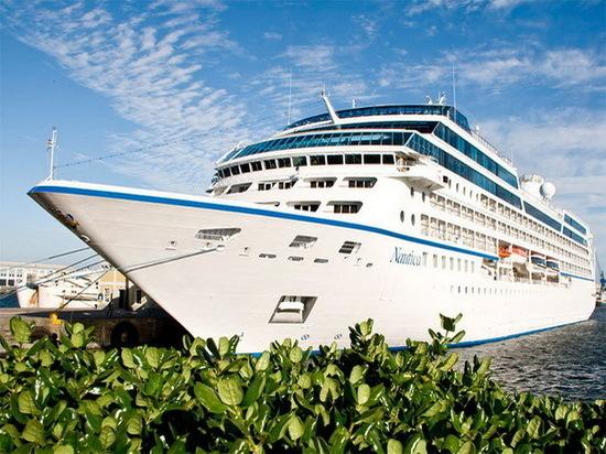 В Архангельске пришвартовалось куризное судно «Nautica»
