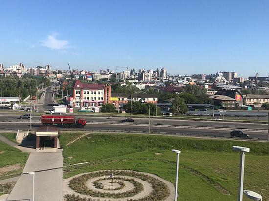 У Нагорного парка создали арт-объект «Барнаул – центр вселенной»