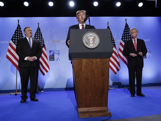 На саммите НАТО Трамп угрожал и отчитывал за богатство России