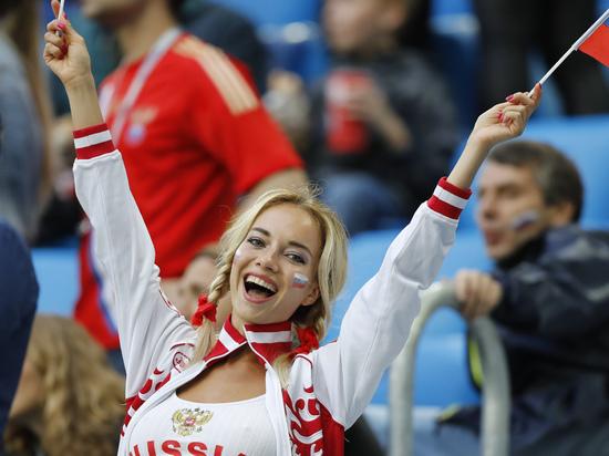 По просьбе FIFA на ЧМ будут меньше показывать привлекательных болельщиц