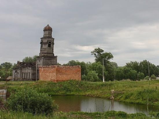 В Мордовии от ветхости упал купол уникального деревянного храма