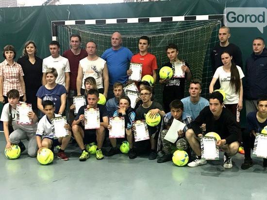 Тверские  полицейские не обыграли торжокских школьников в футбол