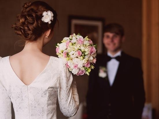 Черная вдова из Петербурга выкрала паспорт соседа и тайно вышла за него замуж