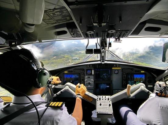 Курящий пилот оставил пассажиров без кислорода и увел самолет в пике