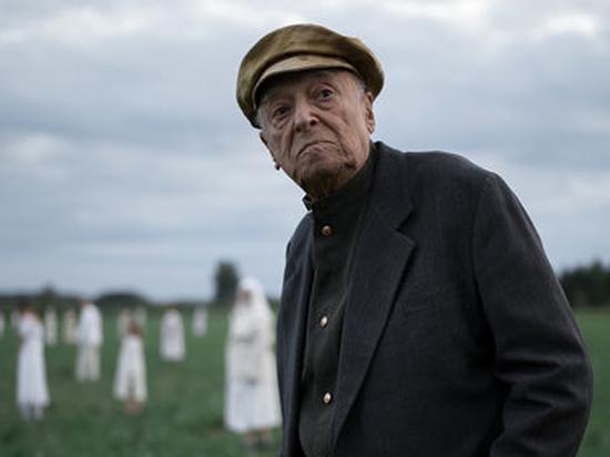 96-летний Этуш сыграл вояку в короткометражке