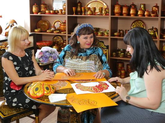 Корону для «Миссис Россия 2018» расписывают в Семенове