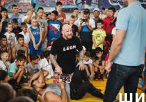 Звезда ММА Джефф Монсон провел мастер-класс в Астрахани