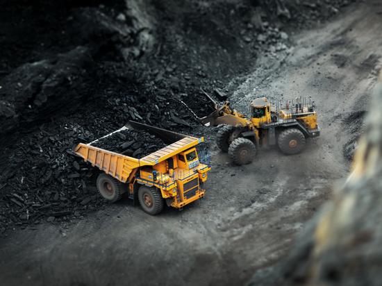 Делегация из Китая посетила Сибирь, чтобы увидеть, как добывают уголь