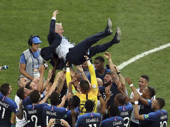 Дешам останется главным тренером сборной Франции после  победы на ЧМ-2018