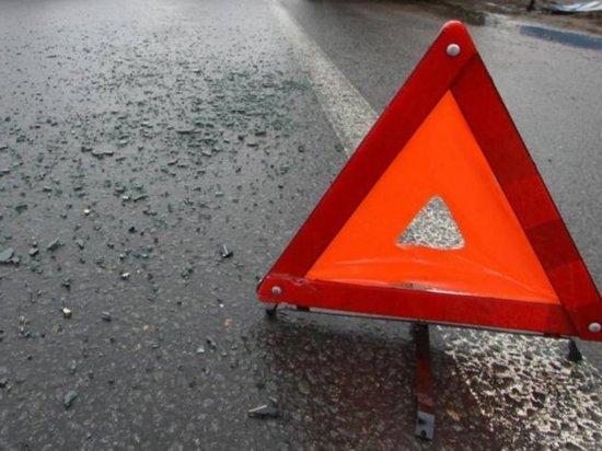 В Тверской области после столкновения КАМАЗа и лекговушки погиб молодой водитель
