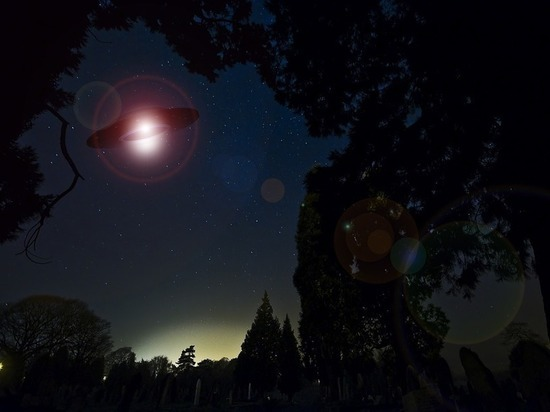 «Пульсирующий НЛО» был замечен в небе над Канадой