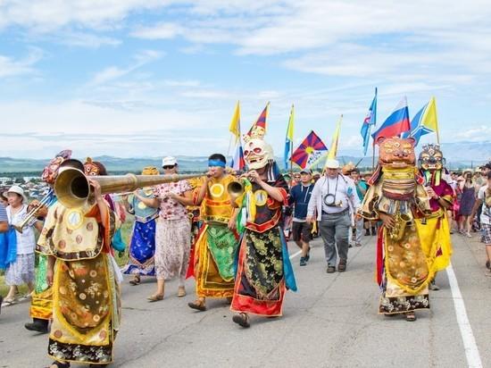 В Туве начинается XIX Международный фестиваль живой музыки и веры «Устуу-Хурээ»