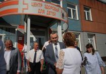 Жители Первомайского района рассказали Андрею Травникову о насущном