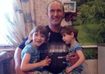 Как живут и растут в прошлом сиамские, а теперь просто близнецы Виола и Эвелина