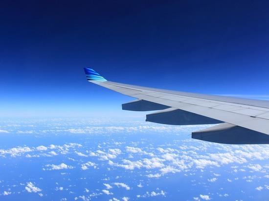 Шокирующее видео, снятое из салона падающего самолета, попало в интернет