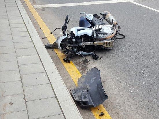 Мотоциклист умер сразу после того, как сбил пешехода