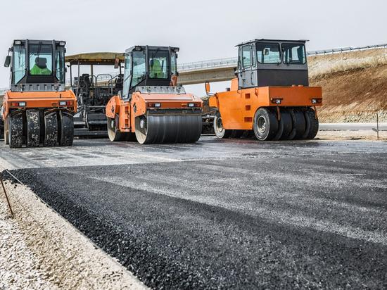 Строительство сельской дороги в Калмыкии завершено на 50%