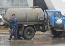 В Астрахани спецтехника убирает улицы после буйства погоды