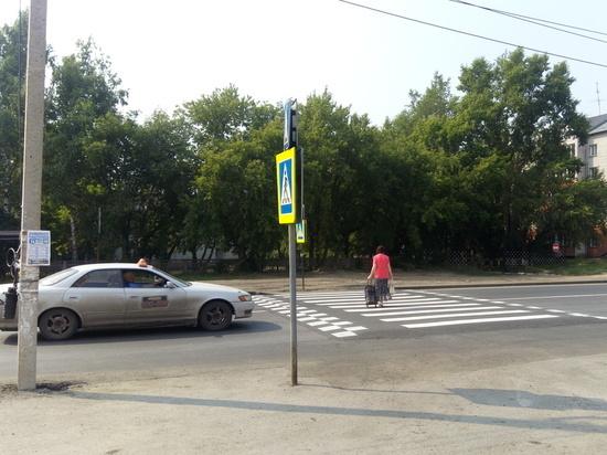 В городе-спутнике Барнаула приводят в порядок убитые дороги