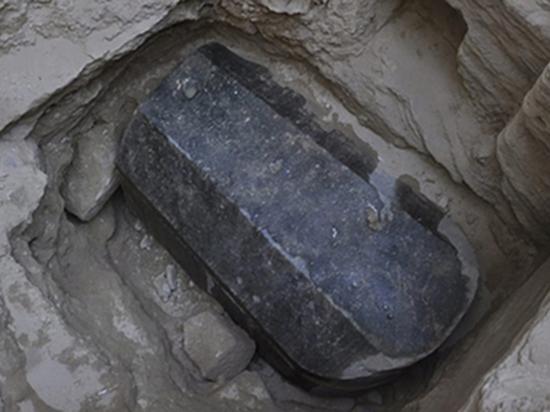 Проклятие фараонов: какие опасности таит вскрытие «черного саркофага»