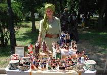Кукольное ханство: в коллекции Эльмиры Хайрулаевой 4 тысячи игрушек в национальных костюмах
