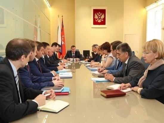 Бочаров поручил изучить опыт ФНЛ по организации матчей