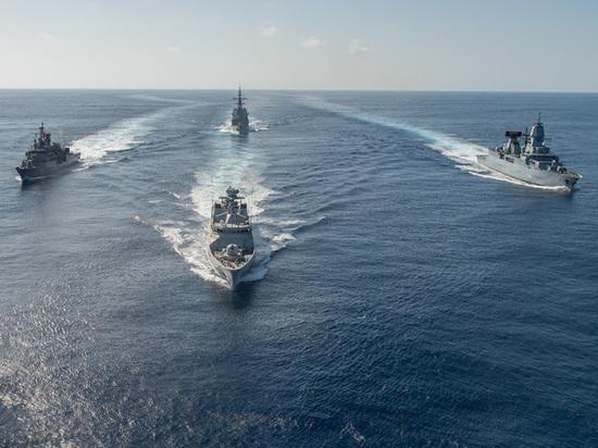 В порт Одессы зашли военные корабли НАТО