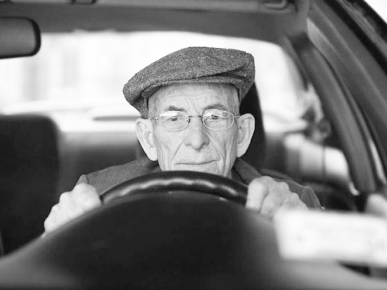 Хабаровские пенсионеры хороши за рулем