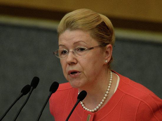Врио губернатора Омской области сдал подписные листы визбирком