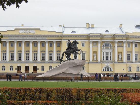 Конституционный суд защитил право военнослужащего на квартиру: жена не препятствие