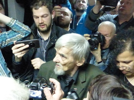 Историк Юрий Дмитриев останется под арестом