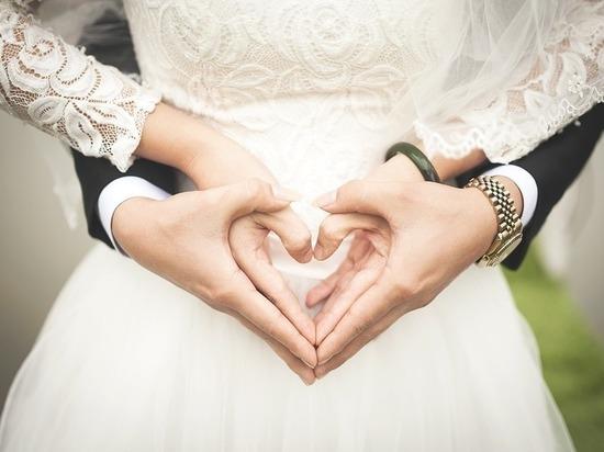 Москвичи мечтают пожениться и родить либо восьмого, либо восемнадцатого августа