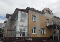 Омские школы повергли жену Буркова в шок