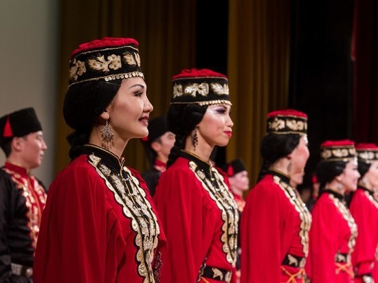 Танцоры из Калмыкии собираются покорить Францию
