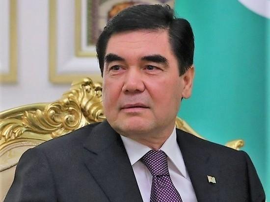 Президент Туркменистана попросил обосновать демократию