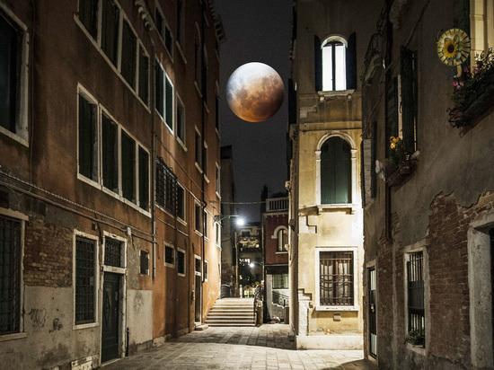 Близится кровавое лунное затмение: Павел Глоба призвал остерегаться внутренних демонов