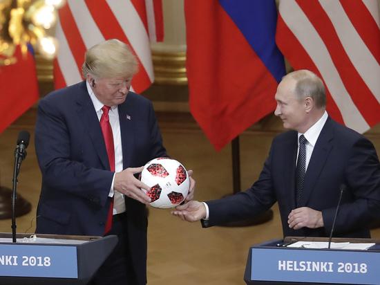 В США испугались подаренного Путиным мяча: что за чип был найден