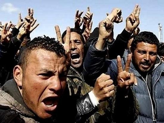 Прорыв более 600 мигрантов в испанскую Сеуту обернулся кровавым побоищем