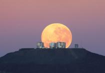 Уже сегодня, 27 июля, жители Земли смогут увидеть сразу два редких астрологических явления: полное лунное затмение и Великое противостояние Марса