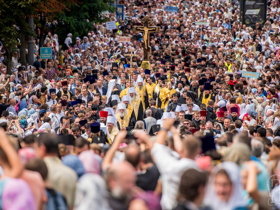 ВКиеве начался молебен послучаю 1030-летия крещения Руси