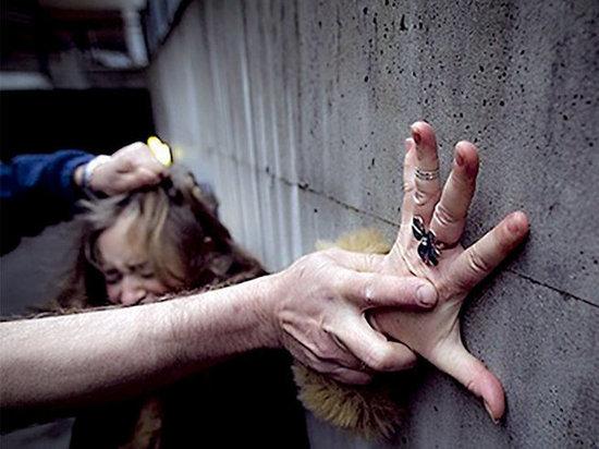В Москве пьяный молодой человек за ночь попытался изнасиловать трёх девушек