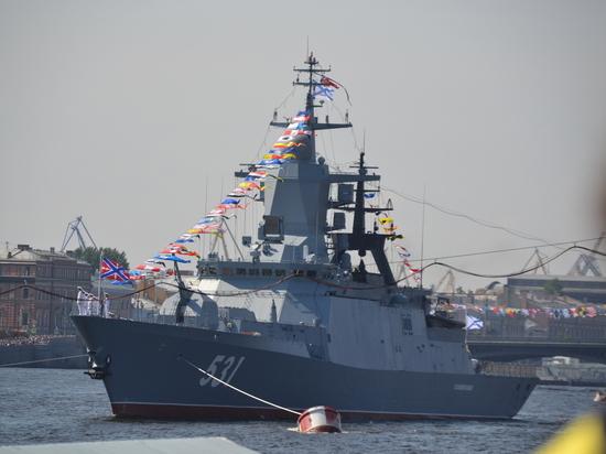 Парад ВМФ: Путин обошел дозором корабли и пообещал новые «Калибры»