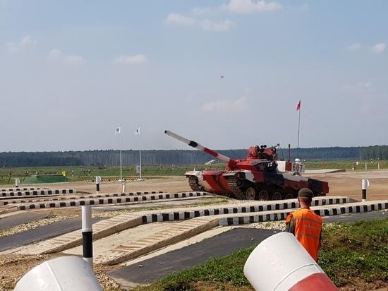 Россия лидирует на «Танковом биатлоне»