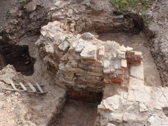 Под Новгородом откопали храм-призрак