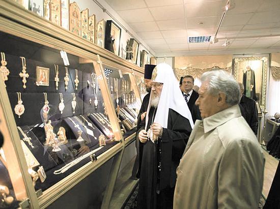 Патриарх Кирилл уволил со всех постов всемогущего завхоза Пархаева