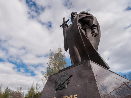 Искусство и деньги: Екатеринбургский художественный фонд заявляет о своей несостоятельности