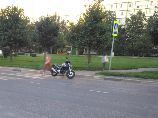 В Тамбове мотоциклист сбил двух девочек-подростков на пешеходном переходе